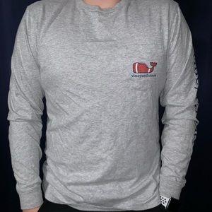 Grey Long-sleeve Vineyard Vines football shirt